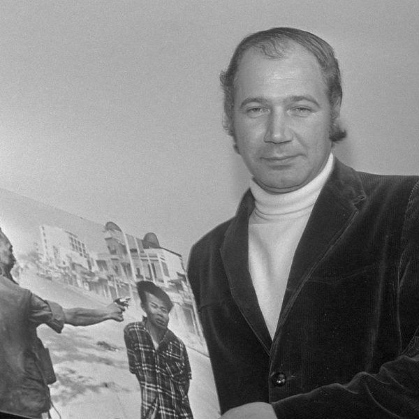 Zdjęcie egzekucji jednego z komunistycznych partyzantów, zrobione przez Eddiego Adamsa, obiegło cały świat.
