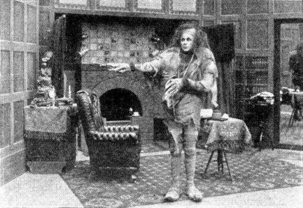 Pierwsza adaptacja Frankensteina, przygotowana przez Edison Studios, powstała w 1910 roku.