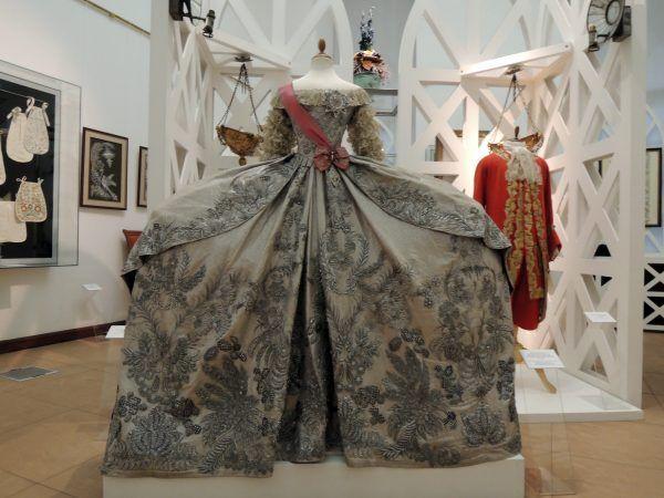 Replika sukni ślubnej Katarzyny.