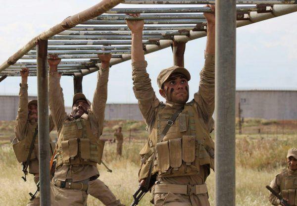 Szkolenie członków YPG (fot. Kurdishstruggle, lic. CC BY 2.0)