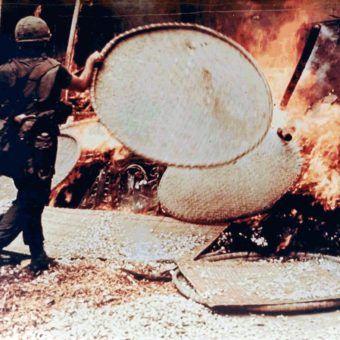 Oddział porucznika Calleya zrównał My Lai z ziemią.