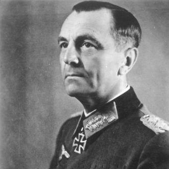 Paulus stanął na czele 6. Armii mimo braku doświadczenia operacyjnego.