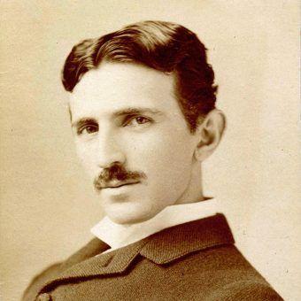 Tesla od 1884 roku działał w USA.