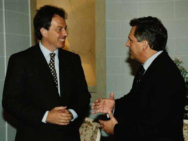 """Dziewulski twierdzi, że Kwaśniewskiemu nie posłużyła wszechobecna """"kultura picia"""". Na zdjęciu prezydent z Tonym Blairem."""