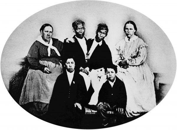 Związek Changa i Enga z siostrami Yates budził opór przede wszystkim ze względów rasowych.