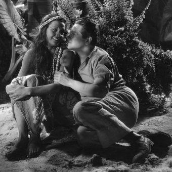 """Gdzie zniknął Eugeniusz Bodo? Dla niego samego byłoby lepiej, gdyby wylądował na egzotycznej wyspie, jak odgrywany przez niego bohater """"Czarnej perły"""" (na zdj.). Los miał jednak wobec niego inne plany."""