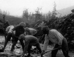 Więźniowie przy pracy na Kołymie.