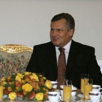 """""""Olek wcale nie jest alkoholikiem"""" - twierdzi były doradca prezydenta ds. bezpieczeństwa."""