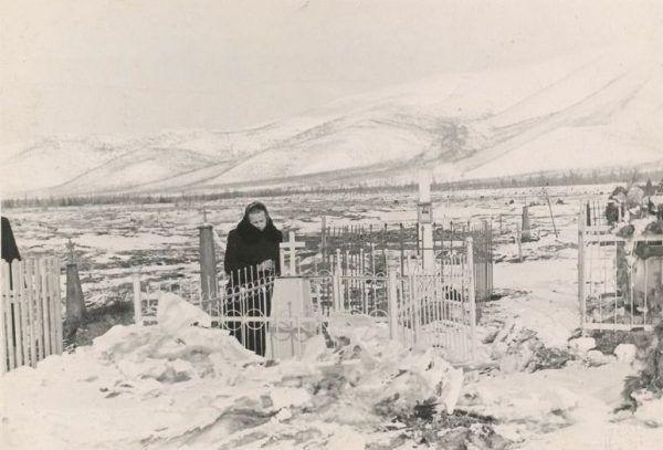 Więźniowie nieraz odkrywali po drodze ślady swoich rodaków - choćby krzyże na grobach polskich zesłańców... Zdjęcie poglądowe.