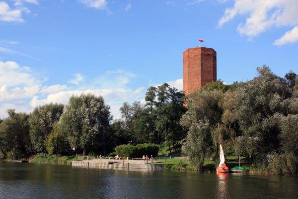 Mysia Wieża z Kruszwicy z legendarną budowlą wspólną ma tylko nazwę. Wzniesiono ją bowiem w czasach Kazimierza Wielkiego.