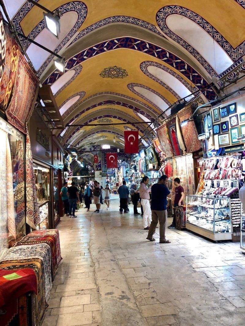 WIelki Bazar w Stambule był miejscem, do którego Polacy przyjeżdżali sprzedawać swoje towary (fot. domena publiczna)