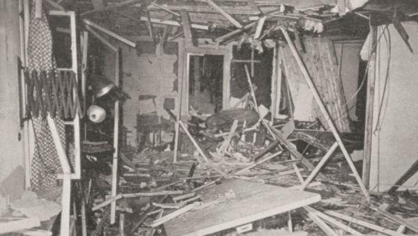 Zniszczona kwatera w Wilczym Szańcu sfotografowana przez Heinricha Hoffmanna bezpośrednio po zamachu.