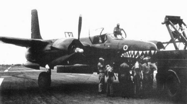 """Samolot Zumbach, którym siał postrach w szeregach nigeryjskiej armii. Zdjęcie z książki """"Ostatnia walka""""."""