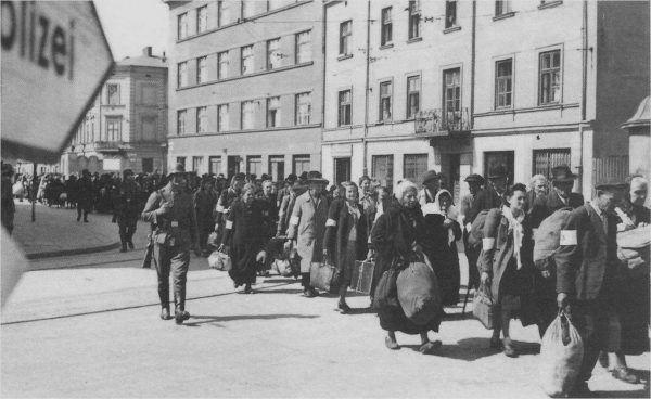 Jednym z pierwszych zadań jakie otrzymał Amon Göth po przybyciu do stolicy Generalnego Gubernatorstwa była koordynacja akcji likwidacyjnej krakowskiego getta.