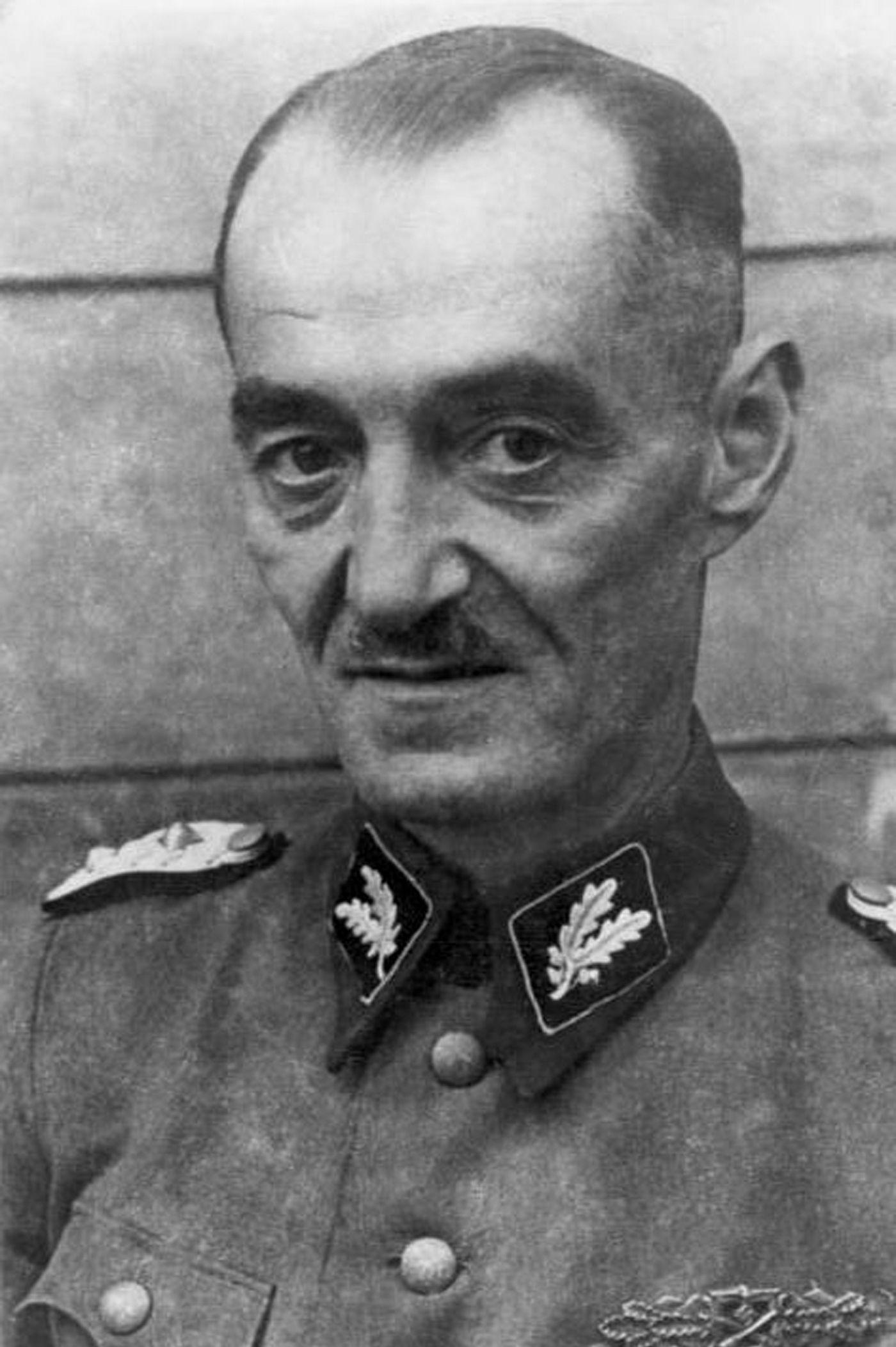 Oskar Dirlewanger sam był skazanym drapieżnikiem seksualnym. Do dowodzonej przez niego jednostki trafiali podobni do niego zwyrodnialcy.
