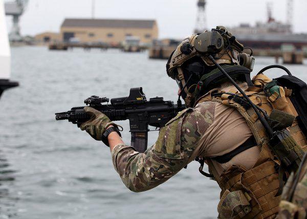 Zdaniem Petelickiego stworzenie jednostki specjalnej było kluczowe z punktu widzenia bezpieczeństwa państwa. Na zdjęciu komandos z GROM w 2015 roku.