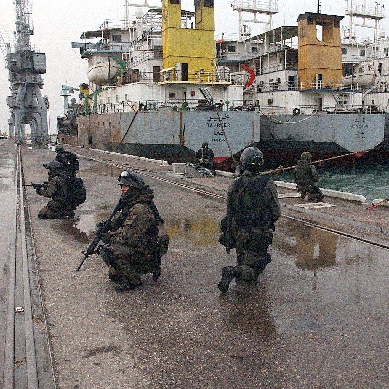 GROM był jedną z jednostek rozpoczynających - atakiem na platformy naftowe - II wojnę w Zatoce Perskiej.