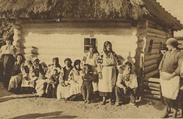 Mieszkańcy Wołynia przed 1939 rokiem nawet nie przypuszczali co szykuje dla nich los. Po katordze sowieckiej i niemieckiej okupacji czekało ich piekło ukraińskich rzezi. Relacje tych, którzy je przetrwali, są wstrząsające.