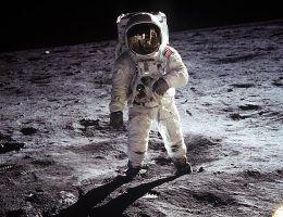 Czy Amerykanie naprawdę wylądowali na Księżycu?