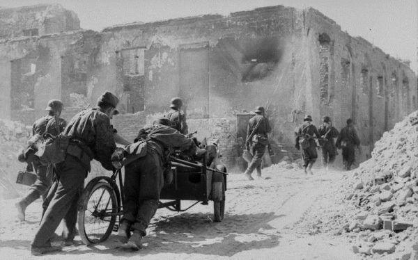 Przywódcy AK nie sądzili, że Niemcy stawią zdecydowany opór.