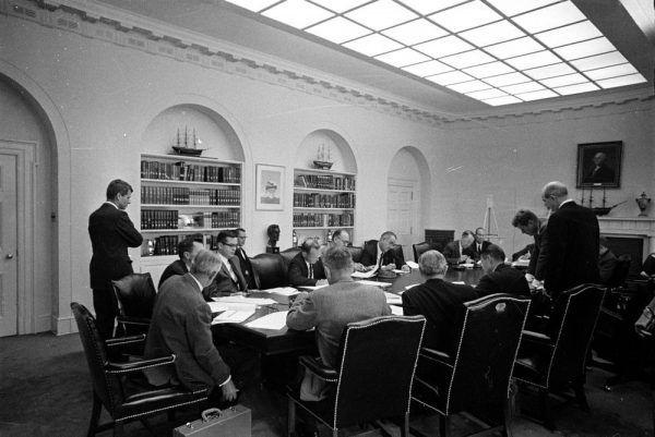 Administracja Kennedy'ego w czasie kryzysu kubańskiego.
