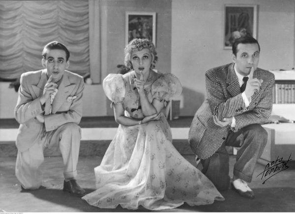 """Benita dość często zmieniała obiekt swoich uczuć. Jednym z jej wybranków był aktor Wojciech Ruszkowski (z prawej). Zdjęcie z przedstawienia """"Odrobina miłości"""" (1938)."""