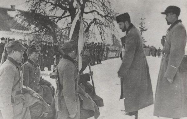 Partyzancka przysięga żołnierzy 27 Wołyńskiej DP AK, zima 1944. Gdzie byli ci żołnierze, gdy Polacy zamieszkujący Wołyń potrzebowali ich najbardziej?