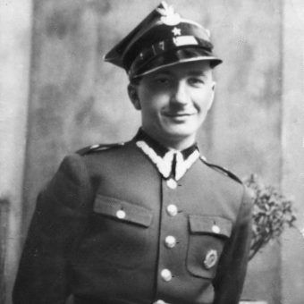 Stanisław Jankowski, w mundurze podporucznika rezerwy artylerii. Maj 1939 roku.