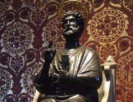 Przez stulecia wierzono, że święty Piotr został pochowany w Watykanie. Czy to prawda?