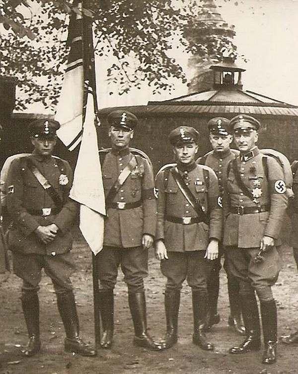 Już na początku lat 30. Mengele należał do młodzieżowej przybudówki Stahlhelmu. Zdjęcie poglądowe.