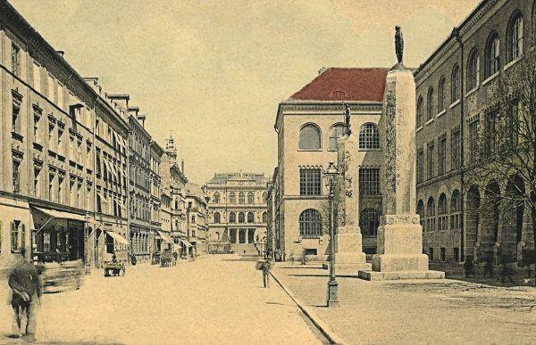 Mengele był absolwentem Uniwersytetu Monachijskiego.