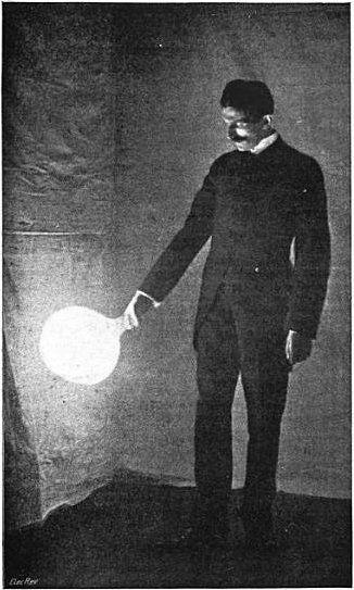 Nikola Tesla opracował m.in. prototyp świetlówki