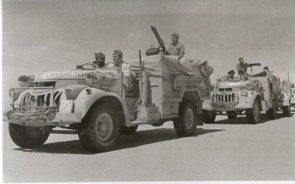 Ciężarówki LRDG na patrolu