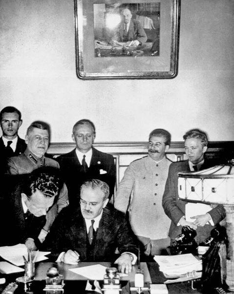Radziecka agresja na Polskę była efektem paktu Ribbentrop Mołotow