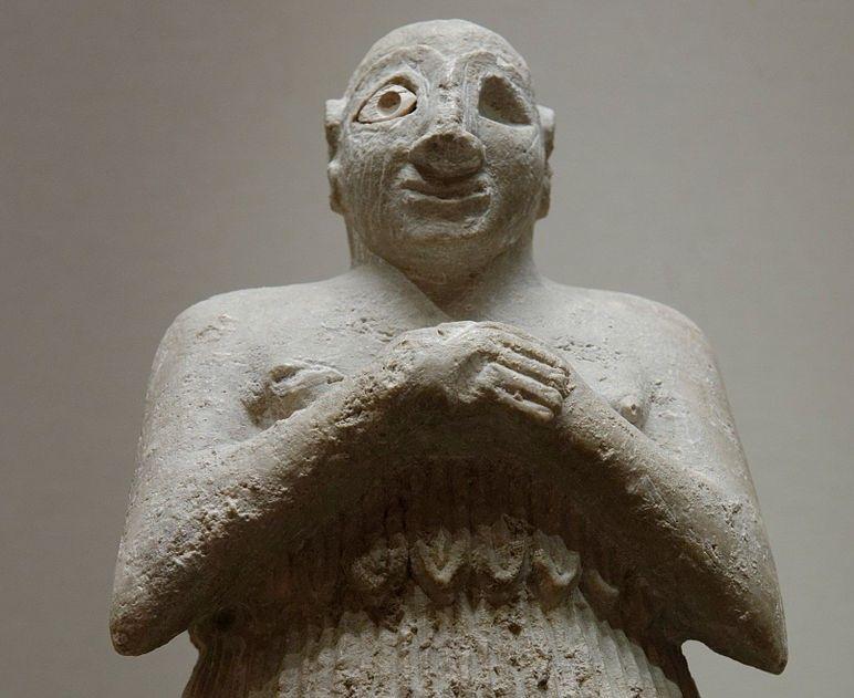 Sumeryjska figurka oranta z ogoloną głową