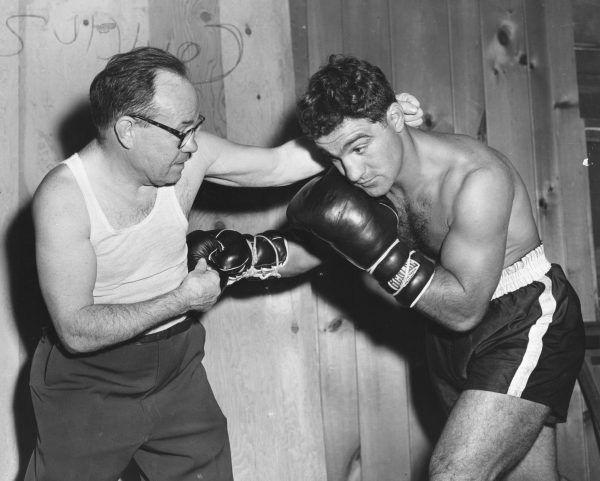 Harry miał okazję zmierzyć się z samym Rockym Marciano (na fotografii)!