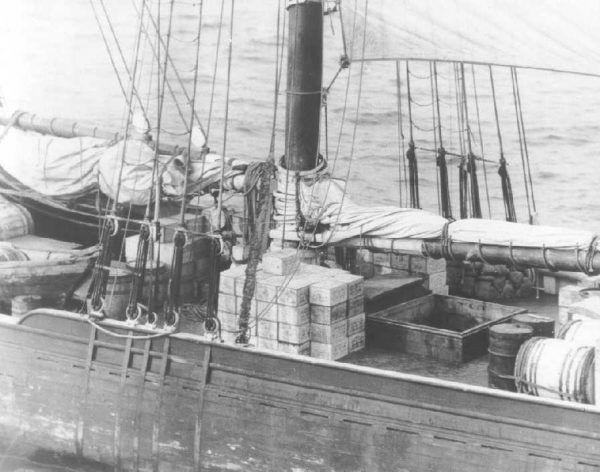 Bootlegging nielegalny alkohol transportowany statkiem