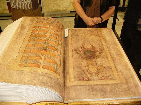 Codex Gigas imponuje wielkością