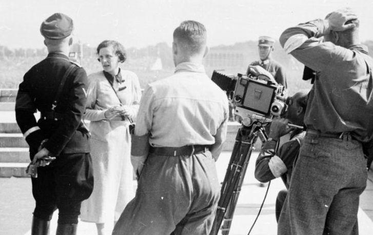 Leni Riefenstahl z Heinrichem Himmlerem w Norymberdze