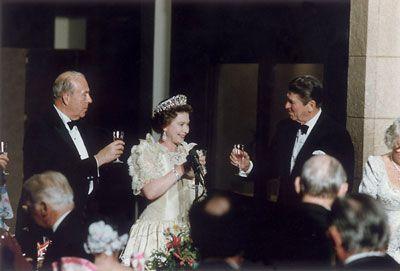 Królowa Elżbieta i prezydent Reagan