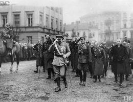 Pierwszy raz Święto Niepodległości uroczyście obchodzono 14 listopada 1920 roku.