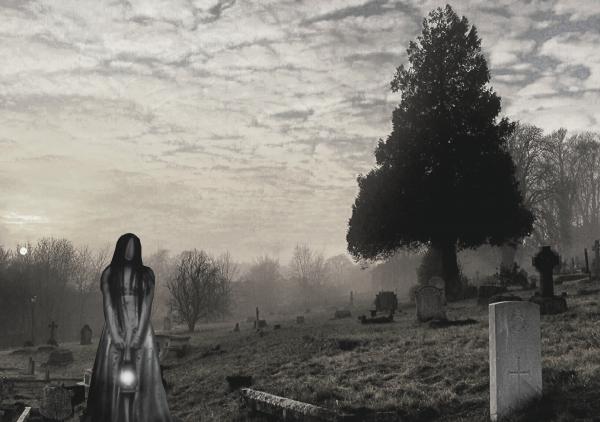 Według wierzeń ludowych, na cmentarzach można było często napotkać na zjawy – upiory, strzygi, czy pokutujące dusze.