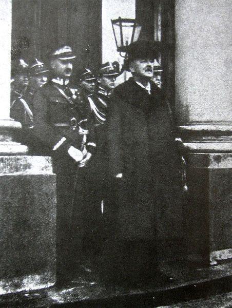 Gabriel Narutowicz po złożeniu przysięgi na urząd Prezydenta