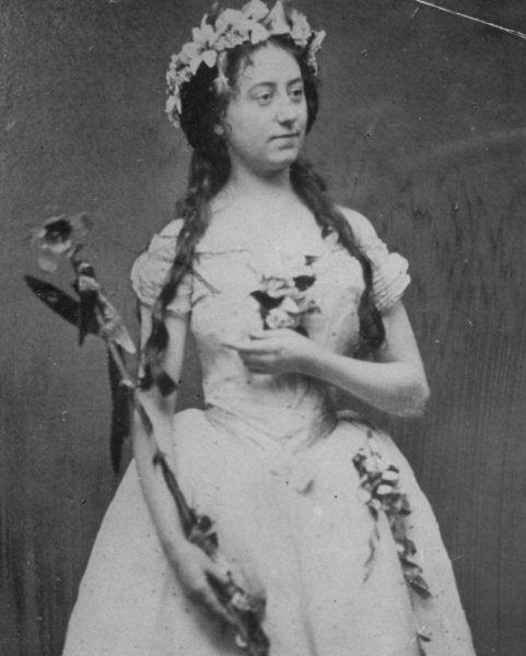 Romans Dickensa z dużo młodszą Ellen trwał kilkanaście lat