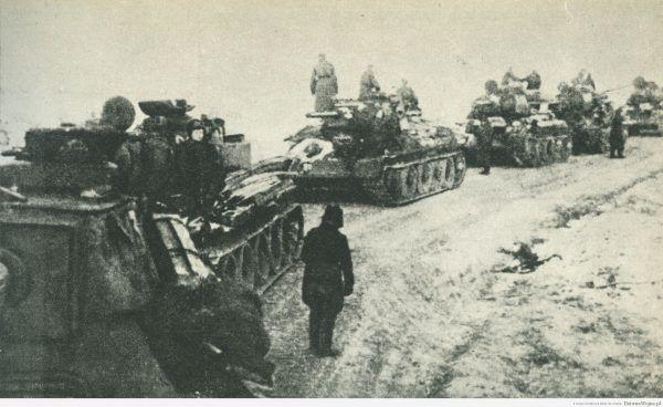 Ześrodkowanie czołgów 1. Brygady Pancernej przed operacją warszawską.