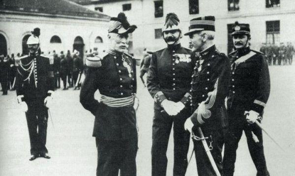 Alfred Dreyfus po procesie rewizyjnym wrócił do służby w armii francuskiej