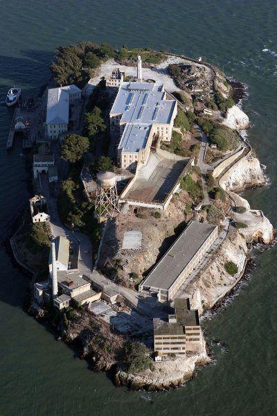 Ze względu na swoje położenie Alcatraz wydawało się więzieniem idealnym