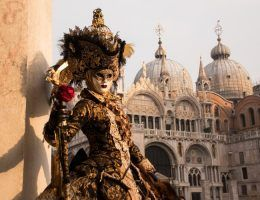 Jaka symbolika kryje się za słynnymi maskami?