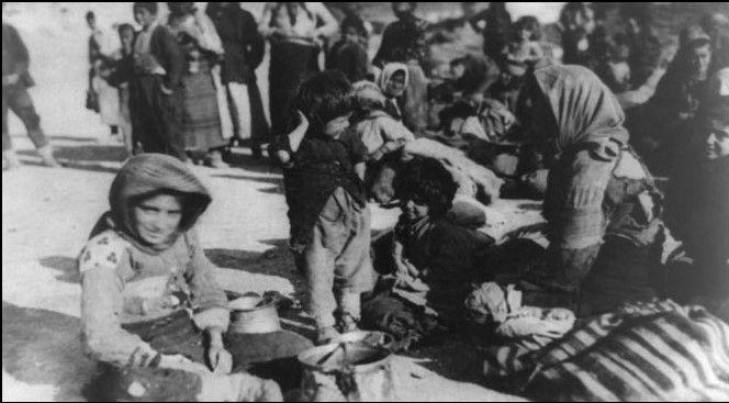 Armeńscy uchodźcy z Imperium Otomańskiego w 1915 r.