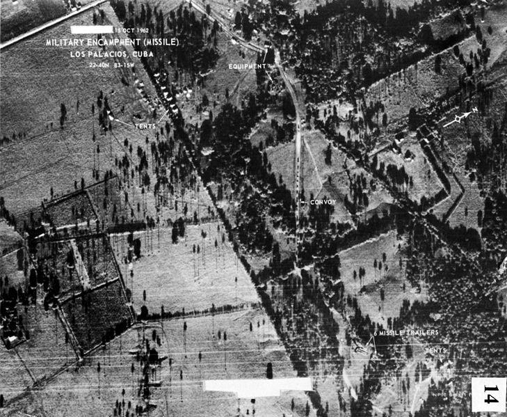 Zdjęcie urządzeń rakietowych na Kubie, wykonane z pokładu U 2 14 października 1962